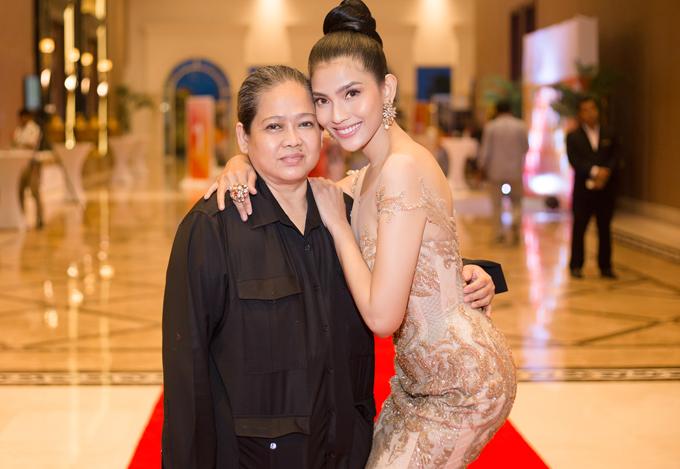 Trương Thị May hiếm hoi mặc sexy, khoe dáng trên thảm đỏ Campuchia - Ảnh minh hoạ 3