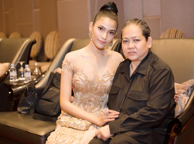Trương Thị May hiếm hoi mặc sexy, khoe dáng trên thảm đỏ Campuchia - Ảnh minh hoạ 4