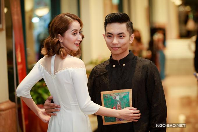 Vợ chồng Khánh Thi - Phan Hiển khiêu vũ tình tứ trên sân khấu - Ảnh minh hoạ 2
