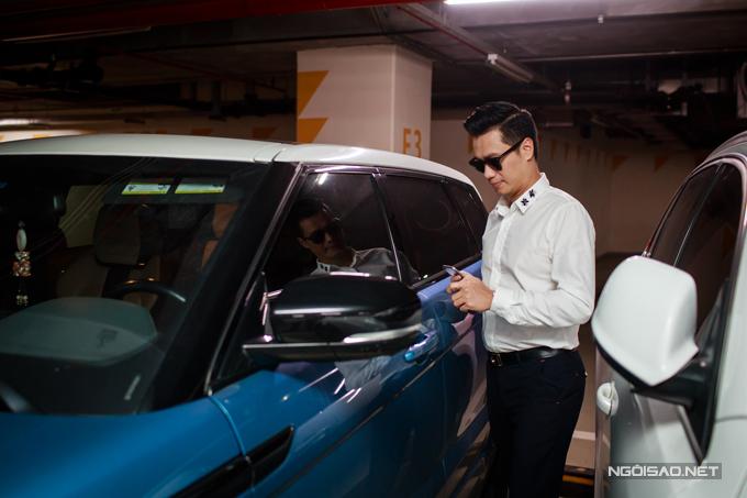 Diễn viên Việt Anh lái xe tiền tỷ đi event - Ảnh minh hoạ 3