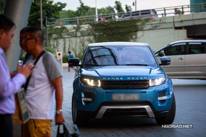Diễn viên Việt Anh lái xe tiền tỷ đi event