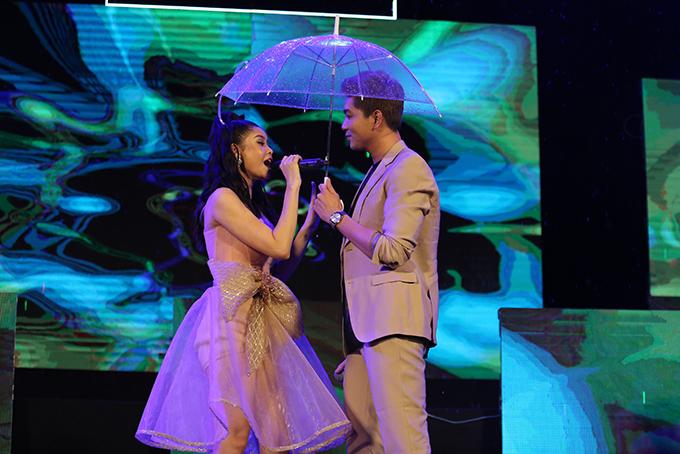 Tim che ô cho Trương Quỳnh Anh hát giữa trời mưa - Ảnh minh hoạ 3