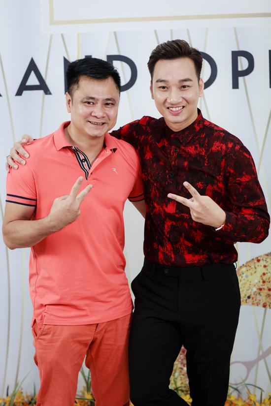 Tuấn Hưng cùng vợ con đến mừng MC Thành Trung lên chức ông chủ - Ảnh minh hoạ 7