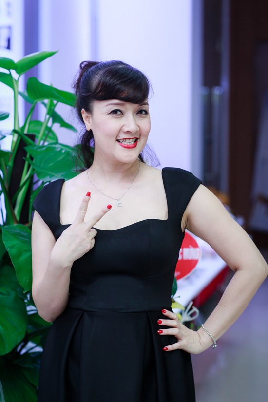 Tuấn Hưng cùng vợ con đến mừng MC Thành Trung lên chức ông chủ - Ảnh minh hoạ 9
