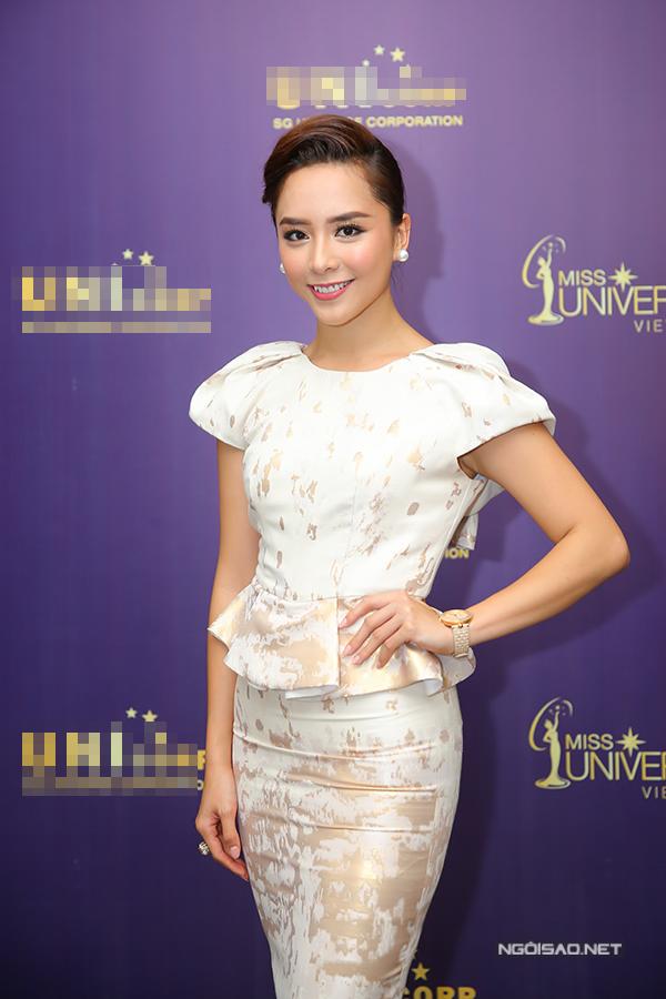 Phạm Hương như nữ hoàng dự công bố top 70 Hoa hậu Hoàn vũ Việt Nam 2017 - Ảnh minh hoạ 7