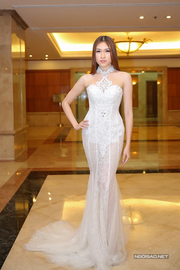 Phạm Hương như nữ hoàng dự công bố top 70 Hoa hậu Hoàn vũ Việt Nam 2017 - Ảnh minh hoạ 10