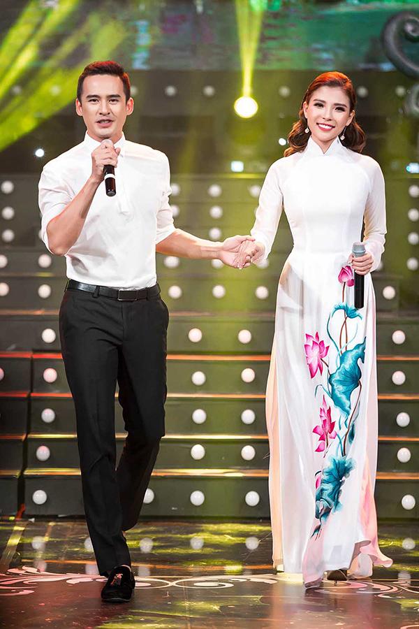 Lương Thế Thành, Thuý Diễm tình tứ trên sân khấu ca nhạc