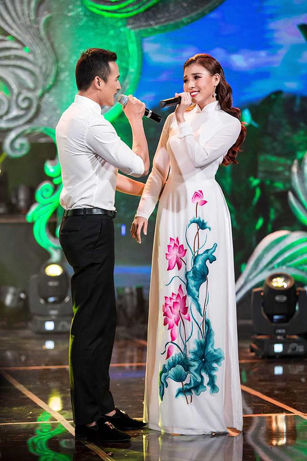luong-the-thanh-thuy-diem-tinh-tu-tren-san-khau-ca-nhac-1
