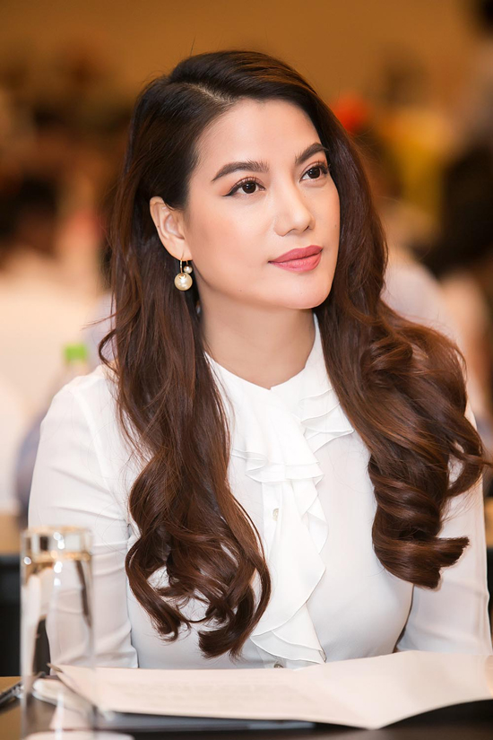 Trương Ngọc Ánh quấn quýt bên con gái lai của Đoan Trang - Ảnh minh hoạ 2