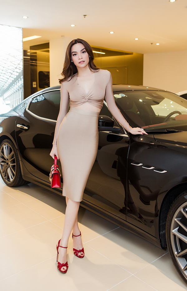 Hồ Ngọc Hà là người đầu tiên sở hữu xe thể thao Maserati giá 7 tỷ đồng ở Việt Nam - Ảnh minh hoạ 2