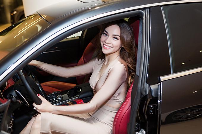 Hồ Ngọc Hà là người đầu tiên sở hữu xe thể thao Maserati giá 7 tỷ đồng ở Việt Nam - Ảnh minh hoạ 8