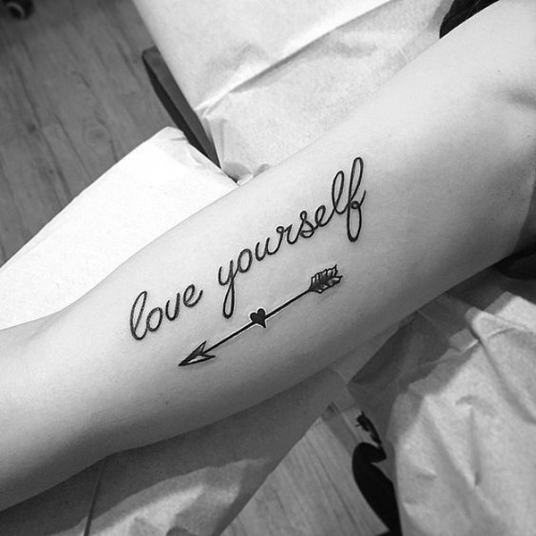 Hãy yêu bản thân mình.
