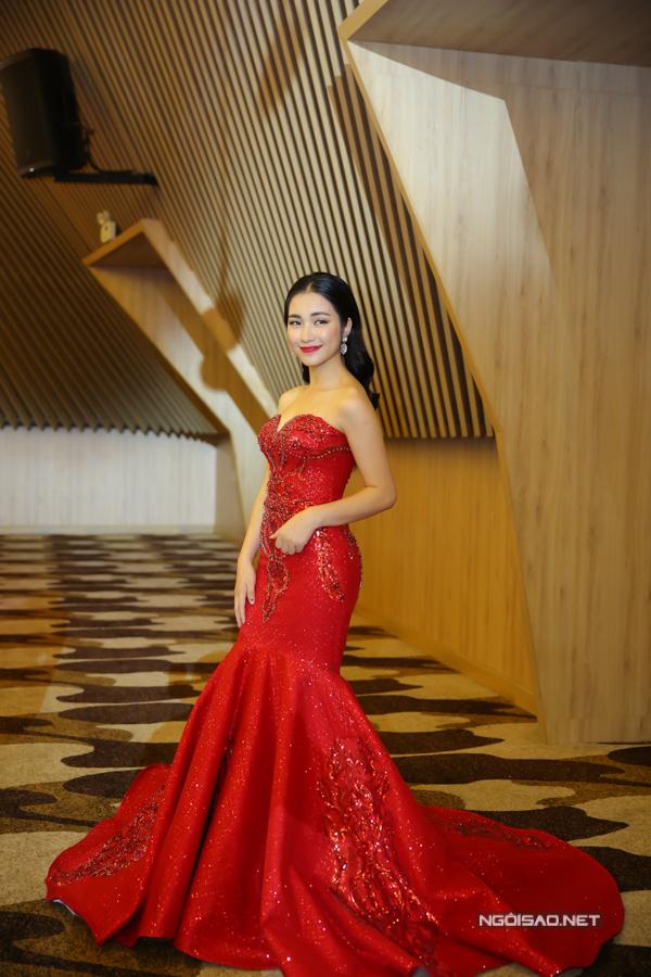 Tiêu Châu Như Quỳnh thành tâm điểm sự kiện nhờ mặc váy như... bình hoa - Ảnh minh hoạ 5