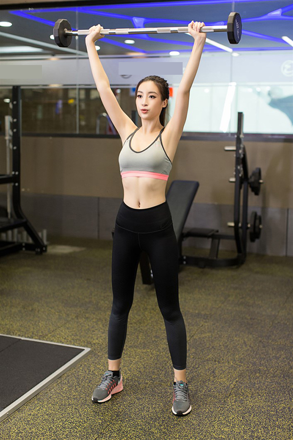 do-my-linh-goi-cam-trong-phong-gym-truoc-ngay-thi-miss-world