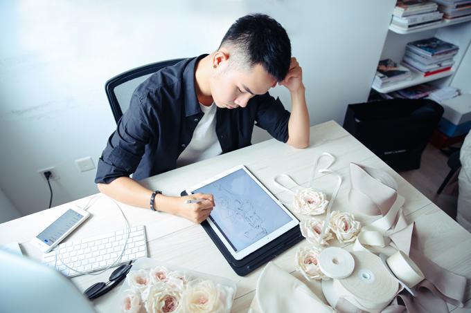 Không chỉ thống lĩnh thảm đỏ, các sáng tạo của Lâm Gia Khang còn thường xuyên hiện hữu trên những tạp chí danh tiếng nhất Việt Nam hay những bộ ảnh thời trang của các sao, như Hoàng Thùy Linh, Thanh Hằng, Khánh My...