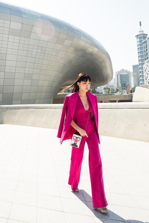 sao-viet-do-net-ca-tinh-khi-tham-su-seoul-fashion-week-9