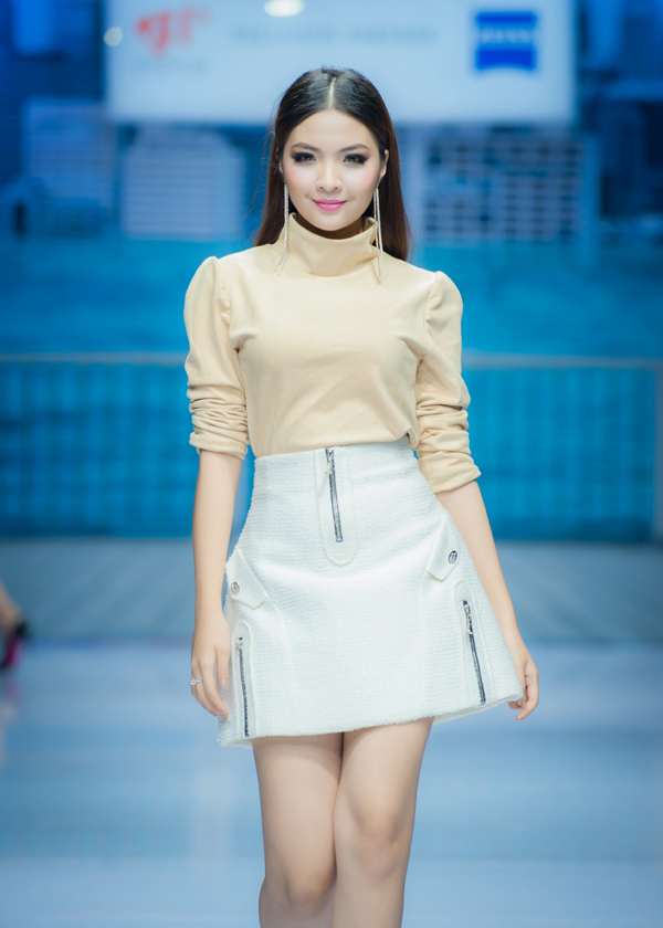 nhung-mau-vay-ngan-sexy-cho-mua-tiec-tung-2