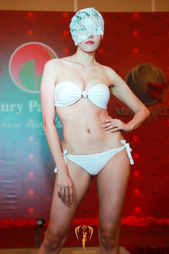 ha-thu-va-cac-thi-sinh-miss-earth-deo-mang-trinh-dien-bikini-12