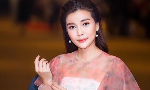 Cao Thái Hà xin lỗi khán giả vì đã phẫu thuật thẩm mỹ