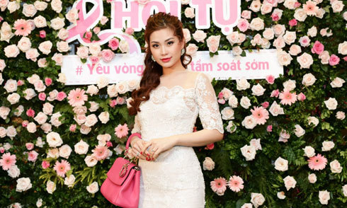 Á hậu Diễm Trang mặc thanh lịch, khoe dáng thon trong sự kiện