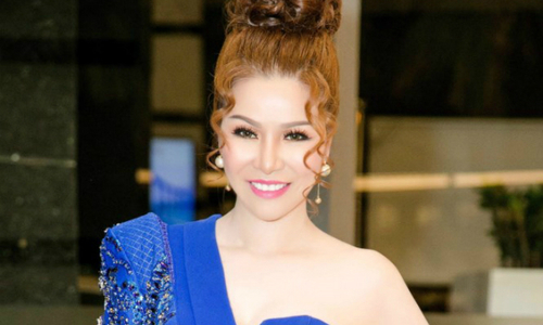 Hoa hậu Bùi Thị Hà diện trang phục sexy khi làm giám khảo