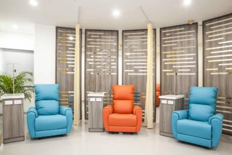 Phòng khám Ung bướu Singapore - Việt Nam thiết kế khu vực hóa trị thoải mái và yên tĩnh cho bệnh nhân truyền thuốc.