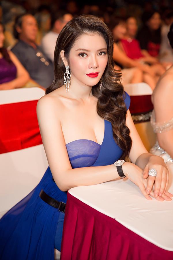 ly-nha-ky-giang-my-toa-sang-khi-lam-giam-khao-chung-ket-miss-grand-international-2017-4
