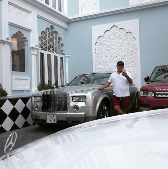 Rolls-Royce Phantom đầu tiên ở Việt Nam của ông Hoàng Khải.