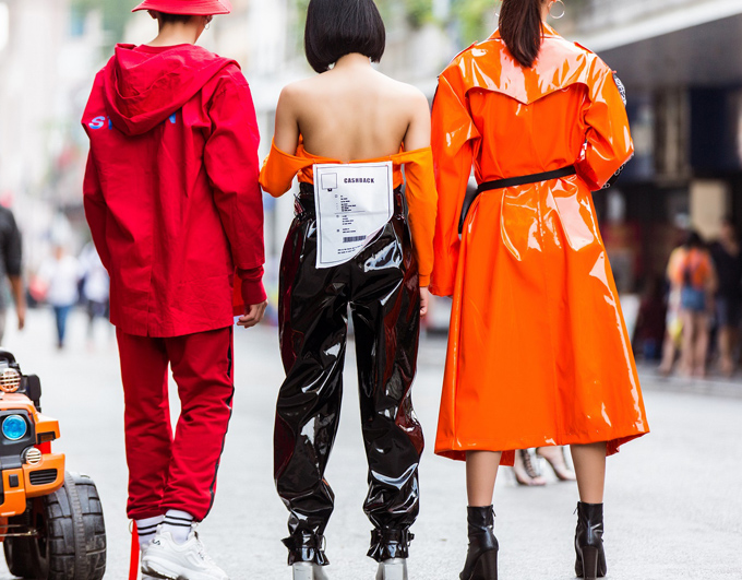 street-style-quai-cua-gioi-tre-ha-noi-truoc-them-tuan-thoi-trang-quoc-te-viet-nam-8