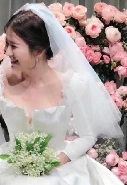 nhung-diem-dac-biet-trong-dam-cuoi-song-hye-kyo-song-joong-ki-3
