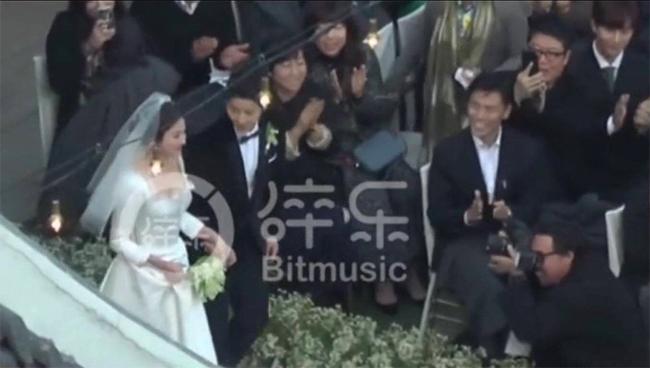 https://i-ngoisao.vnecdn.net/2017/10/31/song-song-a111-6021-1509435151.jpg