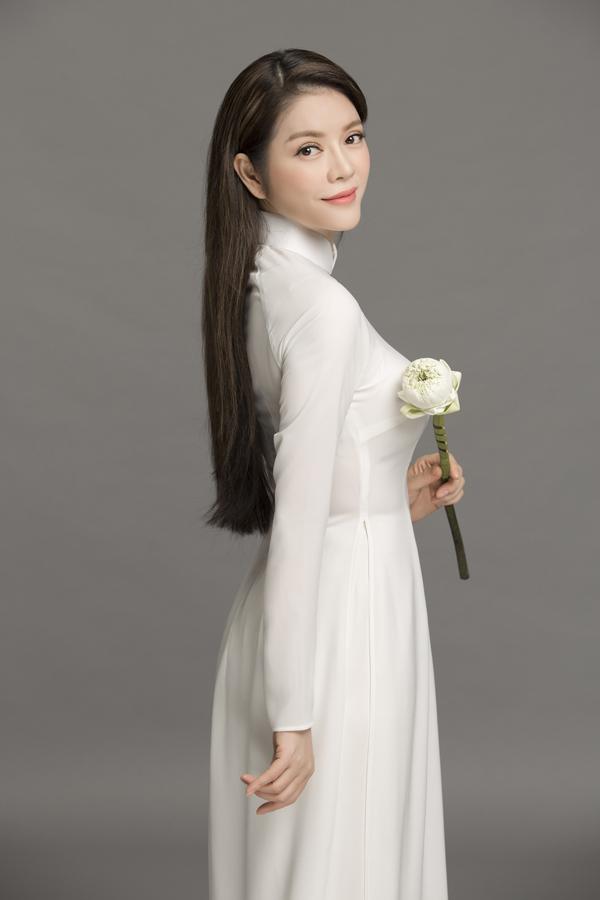 Khoa Nguyễn Stylist: Mì Gói Áo dài: Thuận Việt Make up: Minh Lộc