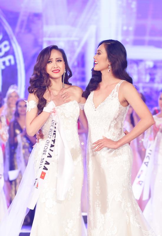 khanh-ngan-xuc-dong-trong-thoi-khac-duoc-xuong-ten-miss-globe-2017-2