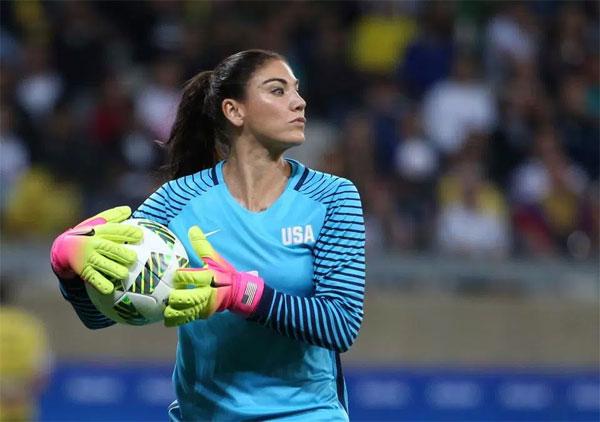Nữ tuyển thủ 36 tuổi là thủ môn có nhiều lần khoác áo tuyển quốc gia nhất.