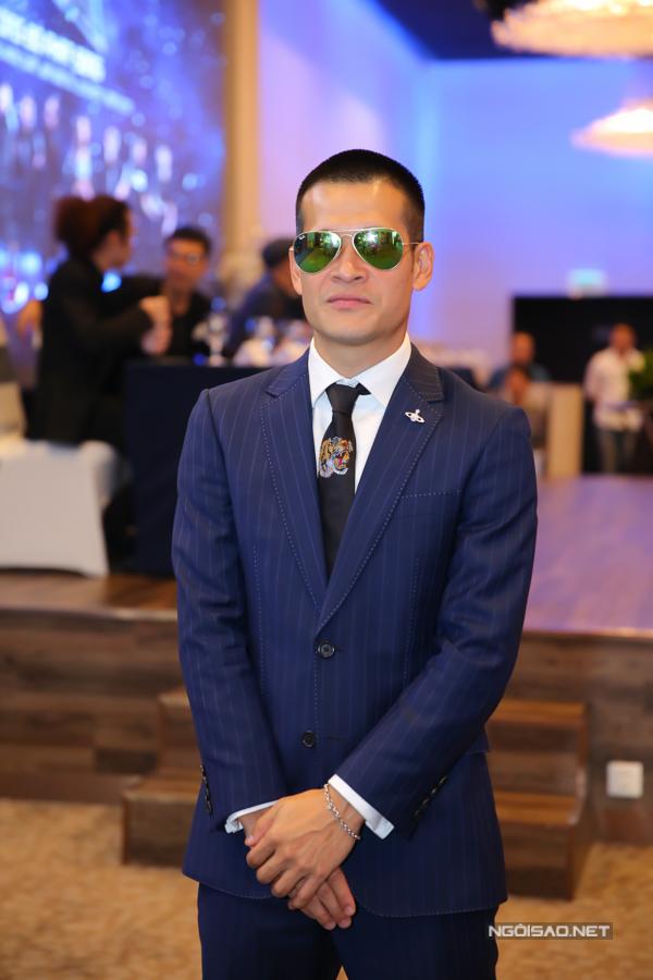 Ái Phương khoe dáng người mẫu, Miu Lê mặc đồ rộng thùng thình dự sự kiện