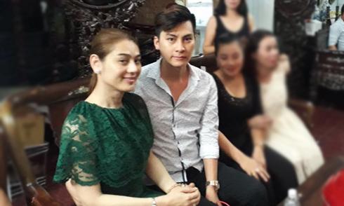 Bố mẹ chồng tương lai sang nhà Lâm Khánh Chi hỏi cưới