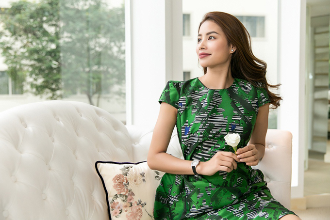 pham-huong-duoc-phuong-my-moi-lam-vedette-cho-show-dien-moi-6
