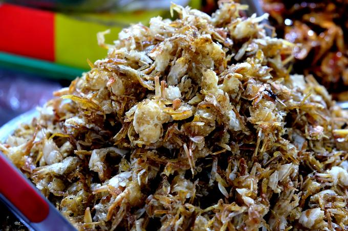 Chợ Đầm - nơi kích thích vị giác du khách với đủ loại đồ khô