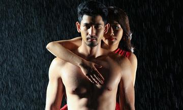 Văn Mai Hương ôm ngực trần của mẫu nam nổi tiếng Thái Lan
