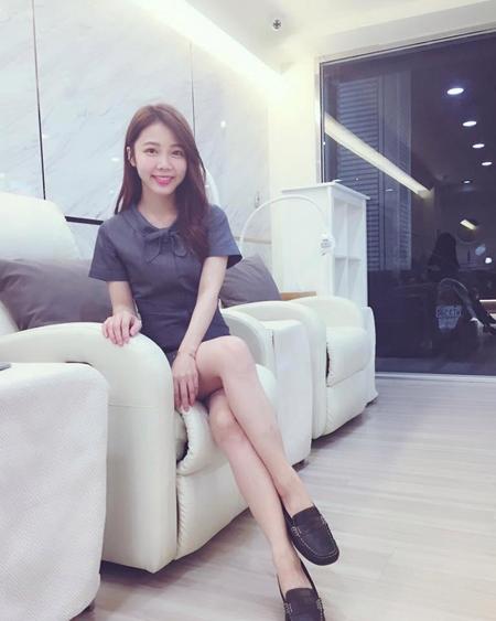 Các phòng khám nha khoa ở Đài Loan thường chọn các nữ y tá có phong cách thân thiện và ngoại hình ưa nhìn để khách hàng cảm thấy thoải mái, thư giãn trong thời gian thăm khám, điều trị.