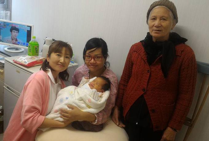 Mẹ Việt 'không muốn xuất viện' khi sinh con ở Nhật, bao giờ bệnh viện ở mình mới được như thế này?