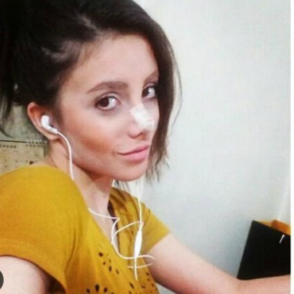 Sahar Tabar, 19 tuổi, người Iran, từ nhỏ đã hâm mộ nữ diễn viên Angelina Jolie.