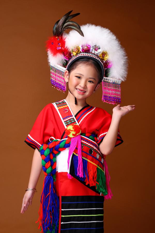 mau-nhi-dang-yeu-voi-trang-phuc-mong-co-dai-loan-2
