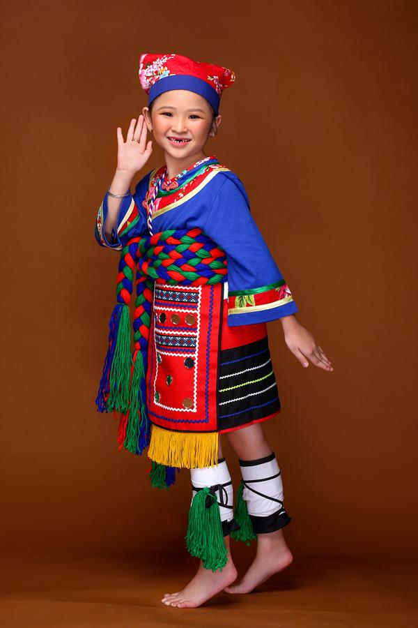 mau-nhi-dang-yeu-voi-trang-phuc-mong-co-dai-loan-4