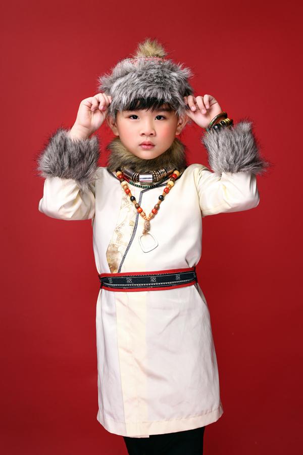 mau-nhi-dang-yeu-voi-trang-phuc-mong-co-dai-loan-5