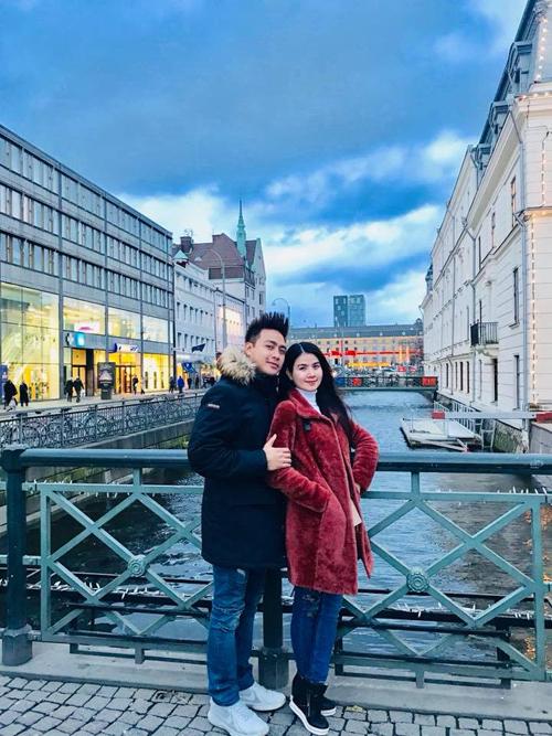 Vợ chồng Kha Ly - Thanh Duy vừa trở về từ chuyến du lịch châu Âu dài ngày