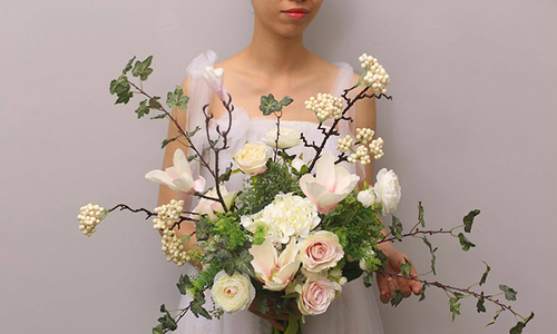 Hoa 'không khuôn khổ' cho đám cưới rustic