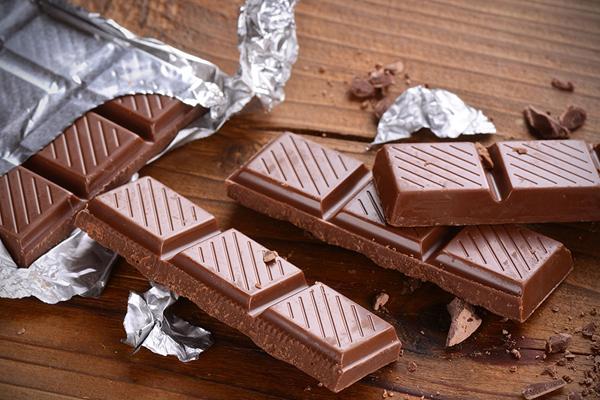 Chocolate đen cũng giúp làm tăng hàm lượng hemoglobi trong máu, hỗ trợ hấp thu sắt.