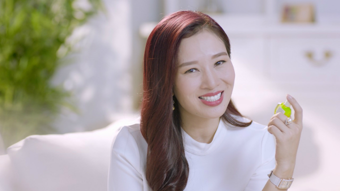 Á hậu Quý bà Thu Hương bật mí cách chăm sóc mắt khỏe đẹp - ảnh 1
