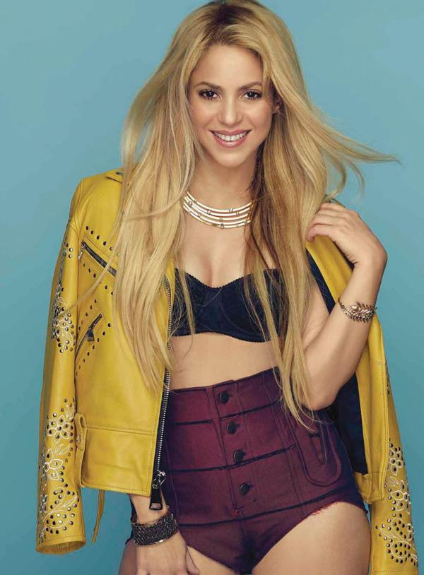 Shakira xuất hiện trên tạp chí Cosmopolitan Mexico số tháng 11 năm 2017.